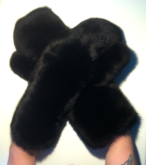 Extra Lange Wellness Massage Echt Pelz Handschuhe Blaufuchs - Genuine Blue Fox Fur Gloves / Mittens - Long, Pelz Fetisch, Fur Fetish, Fur Fetisch Toy, Pelzfetisch Sextoy, fétiche fourrure