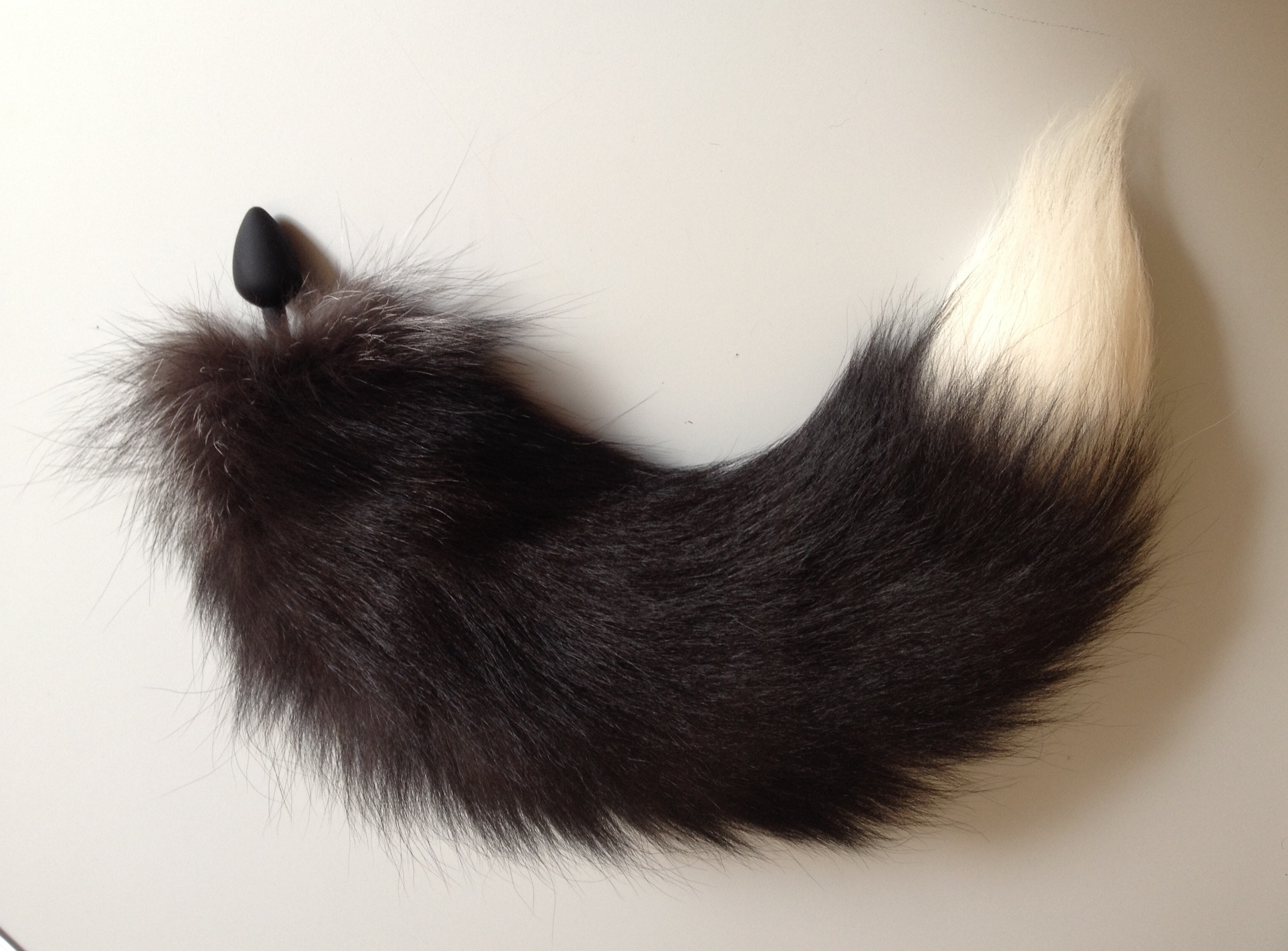 Fuchsschweif Pelz Anal Plug Stecker Stöpsel Fuchs Schweif Silberfuchs Pelz Fetisch Pet Play Petplay Genuine Silver Fox Fur Tail Butt Plug Fur Fetisch Furry Furries fétiche fourrure